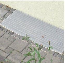 Insektenschutz für den Lichtschacht/Kellerschacht mit Alugewebe