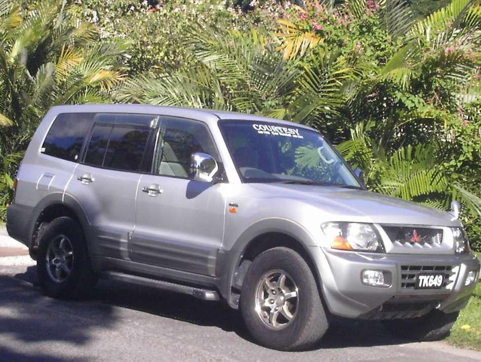 Mietwagen Dominica | Mitsubishi Pajero | © Courtesy Rental