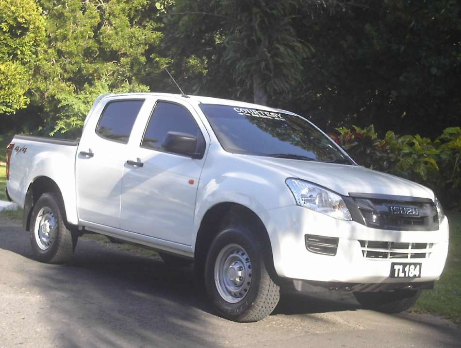 Mietwagen Dominica | Isuzu D-max | © Courtesy Rental