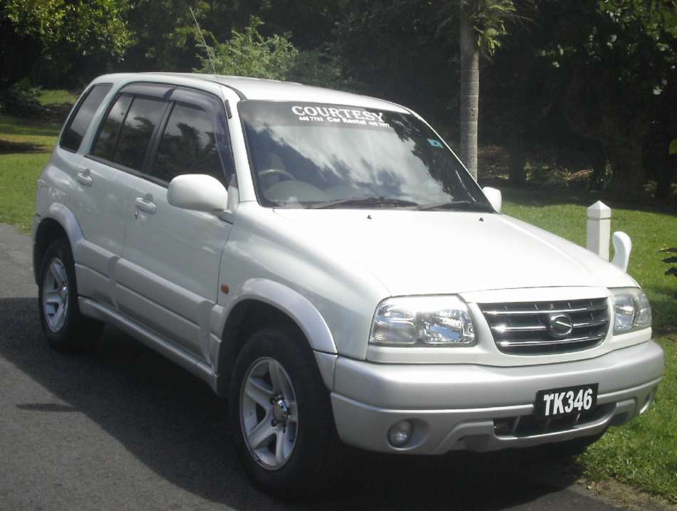 Mietwagen Dominica | Suzuki Grand Vitara | © Courtesy Rental
