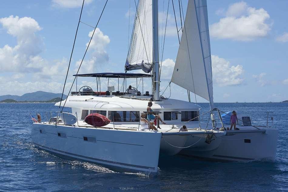 SY Aquatopia | Lagoon 620 unter Segeln | © Dreamyacht Charter
