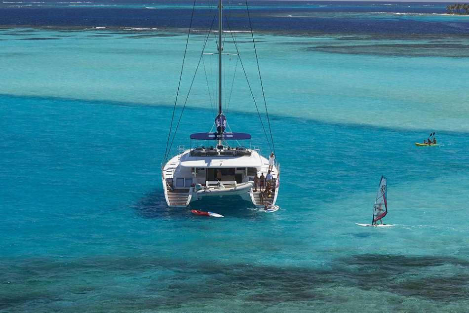 Lagoon 620 | Stop zum Wassersport | © Dreamyacht Charter / www.denysvinson.com