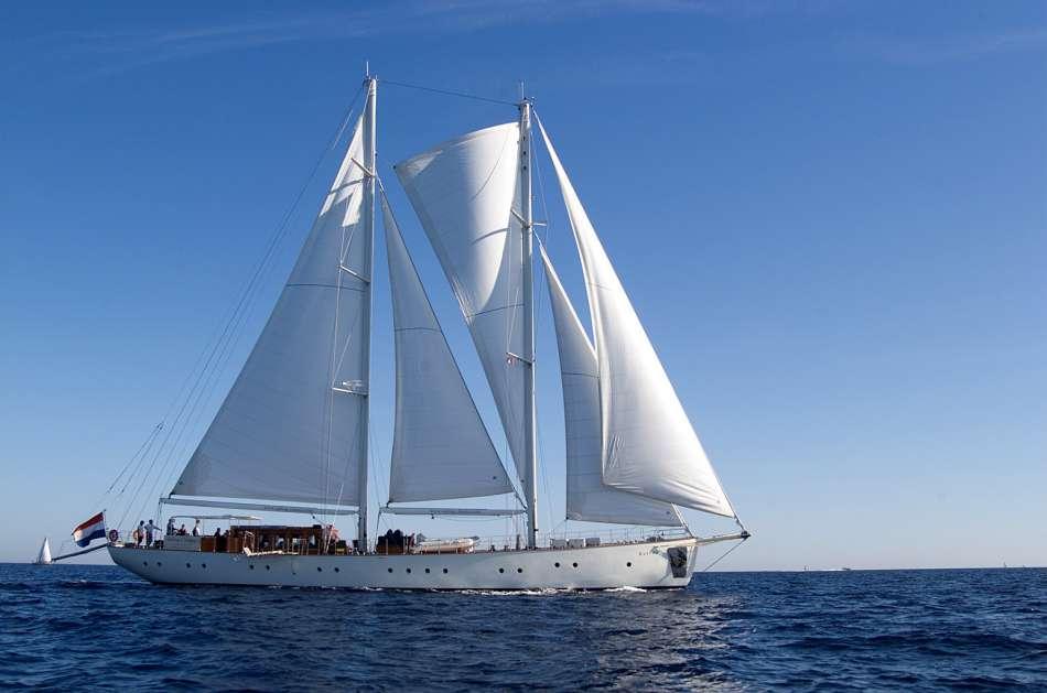 SY Kairos | Unter Segeln | © Sailing Classics / Stoerkle - Photodesign
