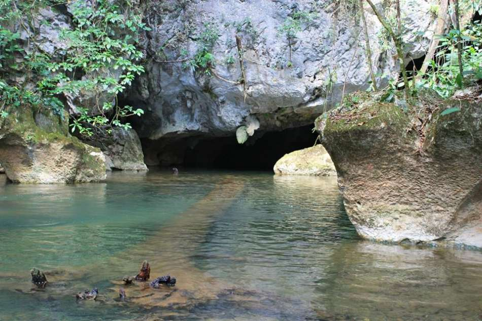 River Cave | Der Höhleneingang | © Caves Branch Adventure Company & Jungle Lodge