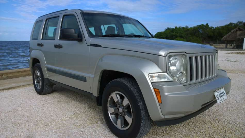 Mietwagen Belize | Jeep Liberty | © AQ Belize Auto Rentals 4 Less
