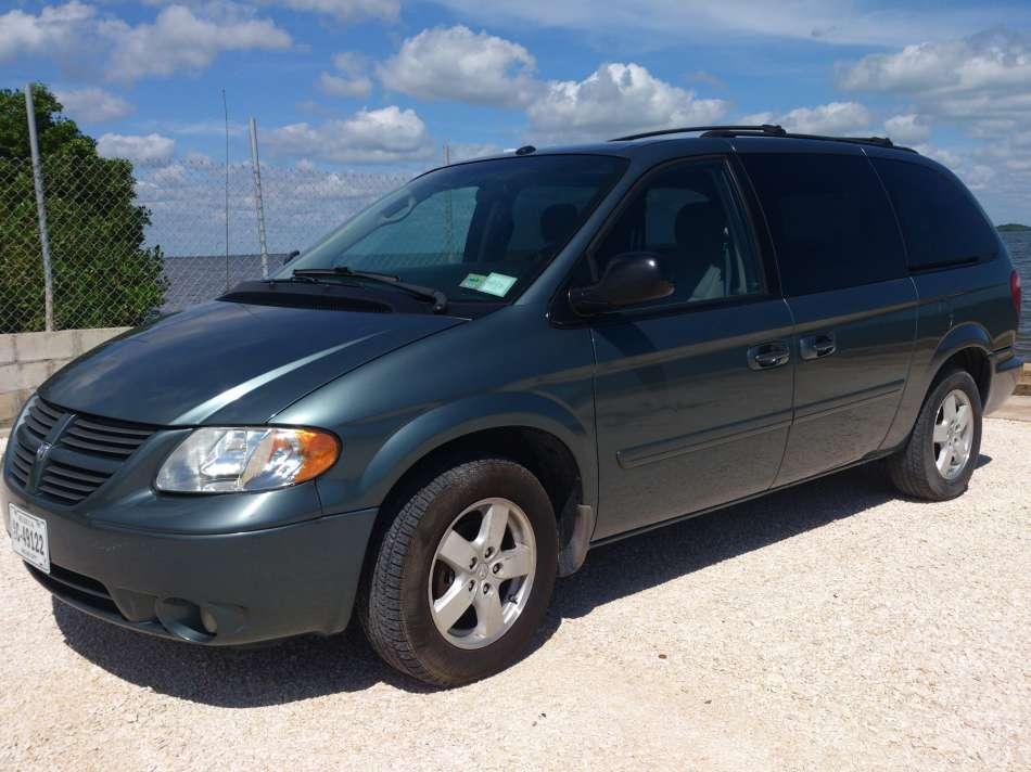 Mietwagen Belize | Dodge Caravan | © AQ Belize Auto Rentals 4 Less